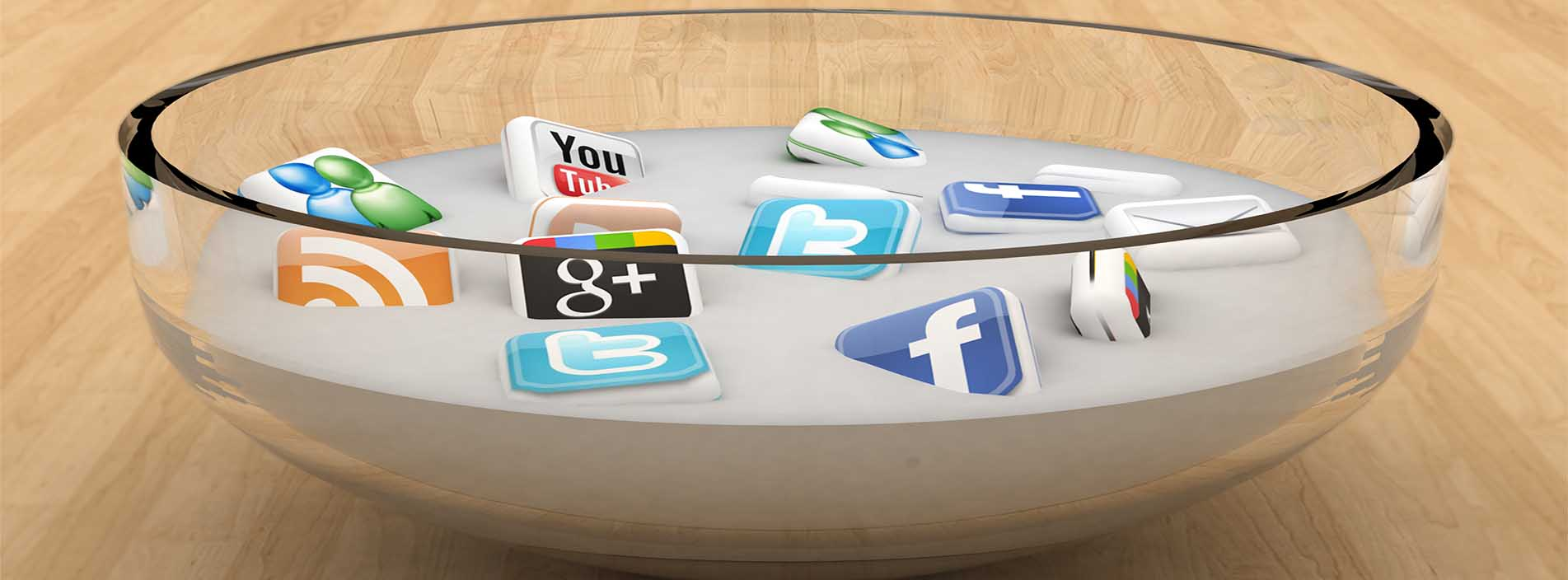 social-media-soup-on-wooden-surface2